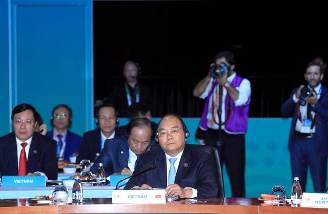 Thủ tướng Nguyễn Xuân Phúc chỉ rõ những vấn đề về an ninh trên biển ở khu vực