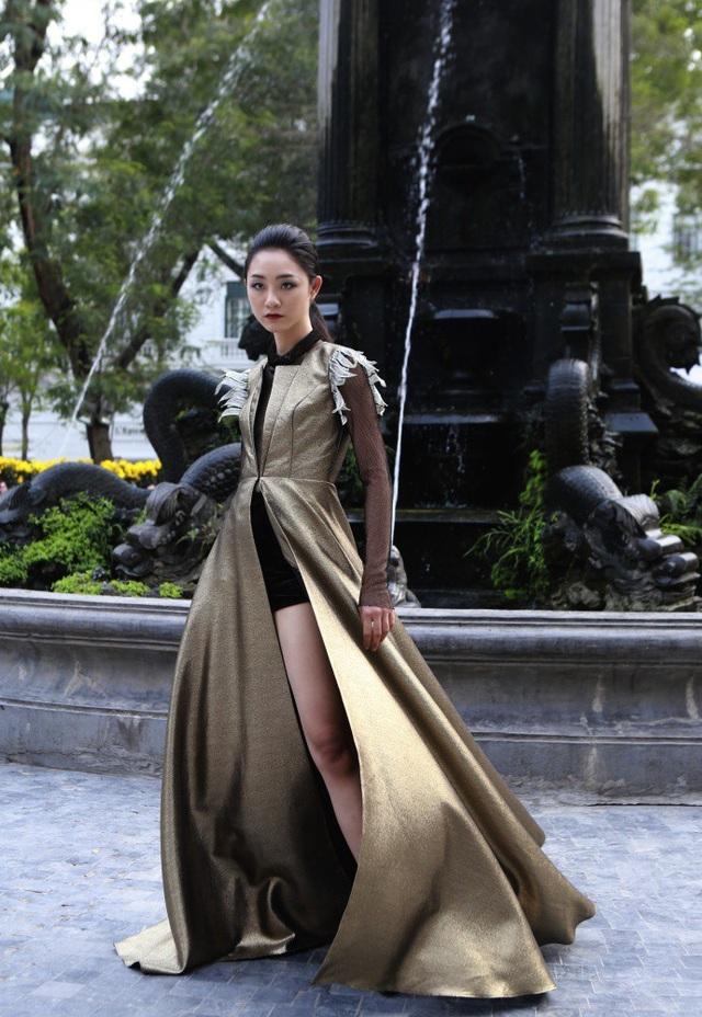 Dàn mẫu đình đám mở màn Tuần lễ Thời trang Việt Nam - Italia - 8