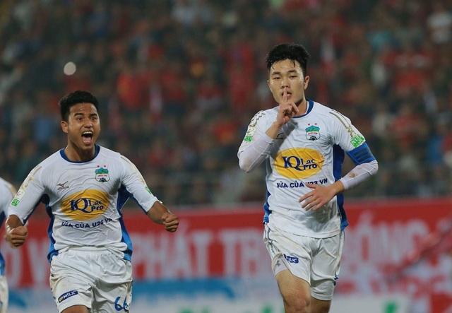 Xuân Trường tự vượt qua áp lực tâm lý bằng bàn thắng quý giá cho HA Gia Lai ở vòng 2 V-League - Ảnh: Gia Hưng