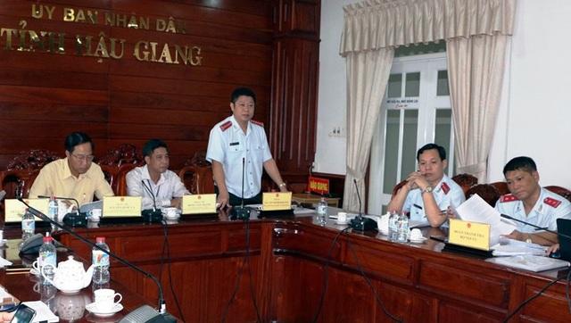 Đoàn thanh tra của Bộ Nội vụ công bố quyết định thanh tra công tác cán bộ tại Hậu Giang ngày 19/3