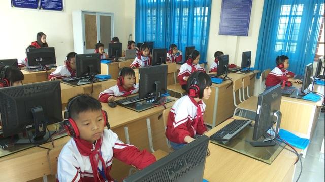 Học sinh tham gia cuộc thi
