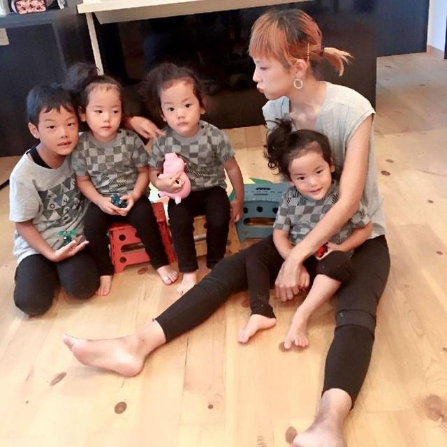 Bộ ảnh dễ thương của bà mẹ 5 con hot nhất Nhật Bản - 22