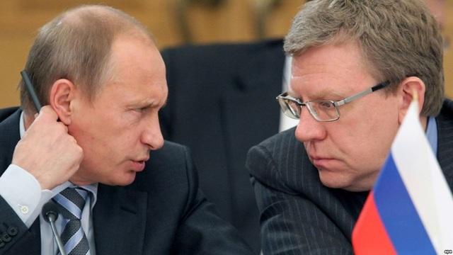 Ông Putin và cựu Bộ trưởng Tài chính Nga Aleksei Kudrin (Ảnh: EPA)