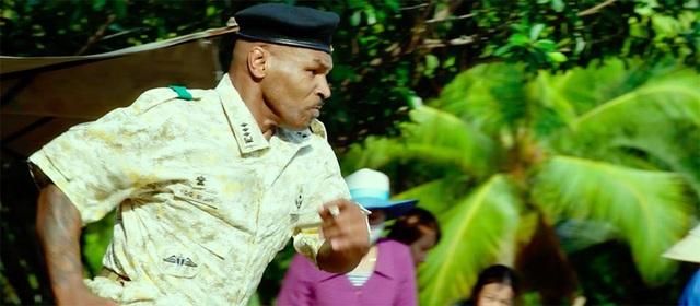 Mike Tyson khiến Elly Trần sợ tái mặt trong phim quay ở Việt Nam - 1