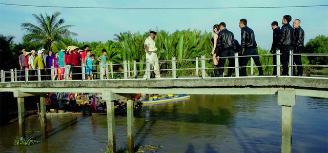 Mike Tyson khiến Elly Trần sợ tái mặt trong phim quay ở Việt Nam - 3
