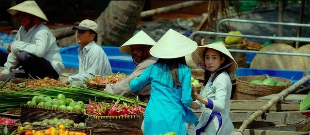 Mike Tyson khiến Elly Trần sợ tái mặt trong phim quay ở Việt Nam - 6