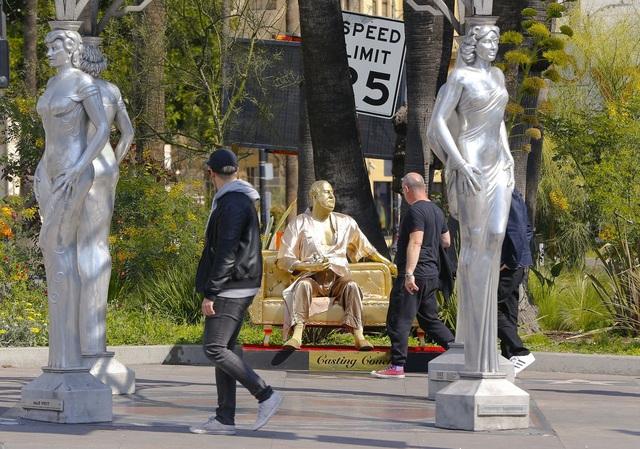 """Bức tượng khiến phụ nữ… """"rùng mình"""" ghê sợ - 2"""