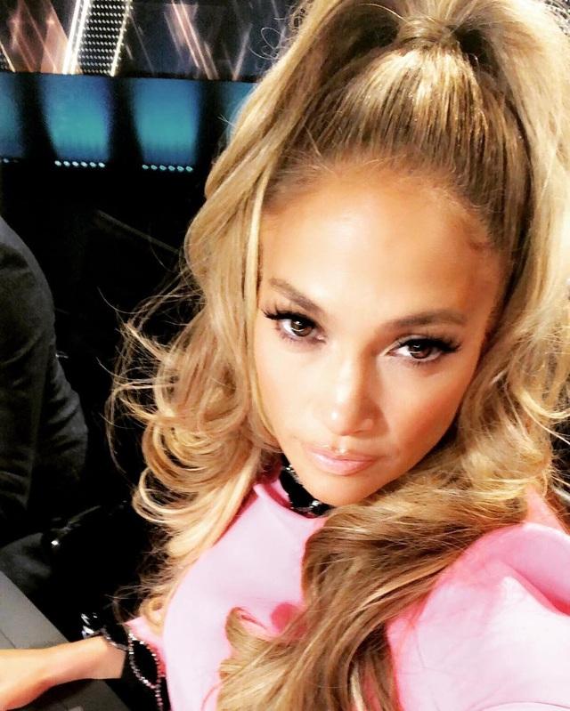 Jennifer Lopez từng chia sẻ, cô luôn nỗ lực để xây dựng hình ảnh đẹp, mỗi ngày, mình lại đẹp hơn chính mình hôm qua