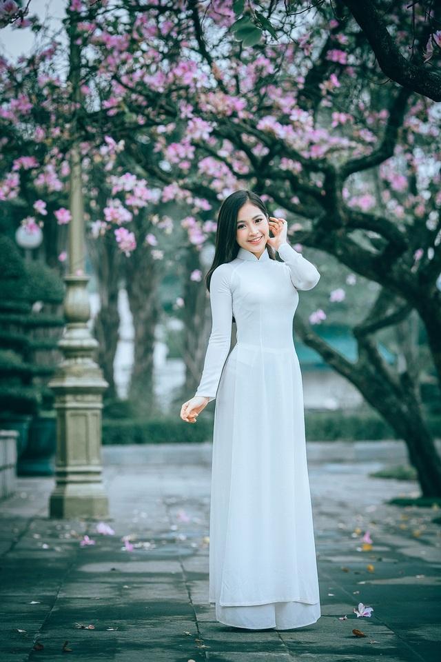 Nữ sinh Hà thành ngọt ngào bên sắc hoa ban - 5