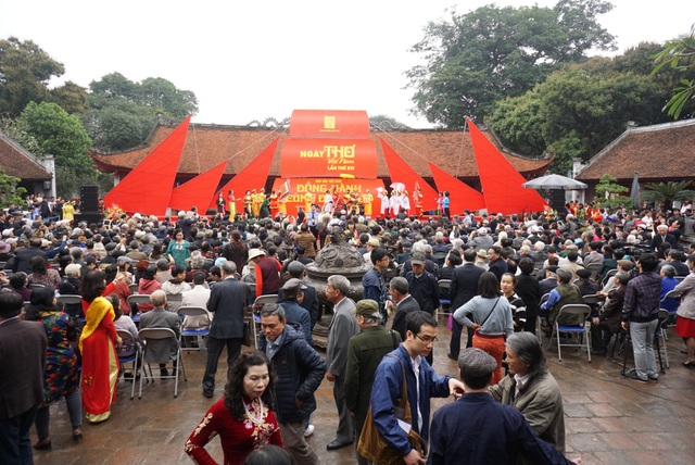 Đã thành thông lệ cứ vào ngày Rằm tháng Giêng hàng năm, Ngày thơ Việt Nam lại được Hội Nhà văn Việt Nam tổ chức.