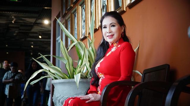 Nữ nghệ sĩ vô cùng vui vẻ và hãnh diện khi được trở thành đại sứ áo dài tại lễ hội áo dài TPHCM.