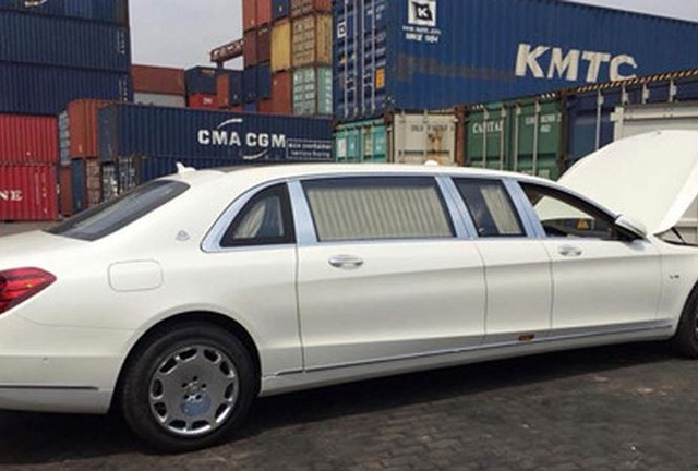 Siêu xe Mercedes-Maybach S600 Pullman vừa nhập về Việt Nam có giá hơn 14 tỷ đồng
