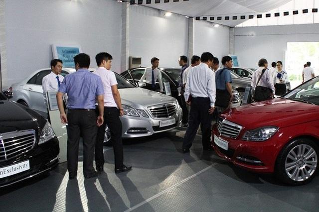 'Ôm tiền' chờ mua ô tô 2018: Giá xe sẽ giảm?