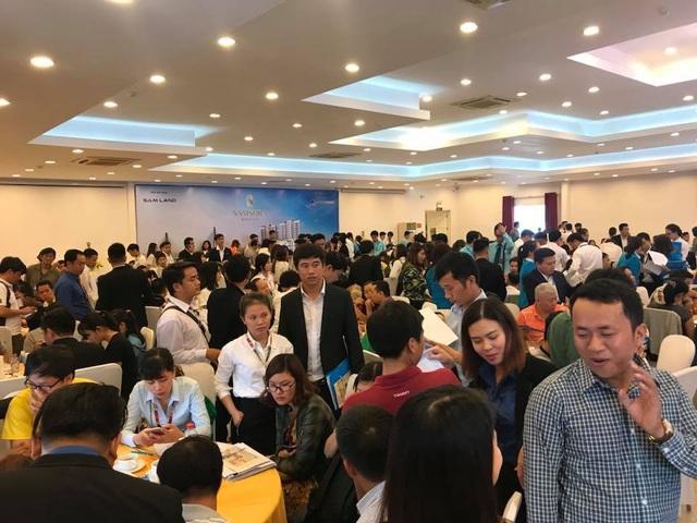 Rất đông khách hàng Đồng Nai tham dự buổi ra mắt một dự án căn hộ giá 600 triệu ở khu vực Tân Vạn