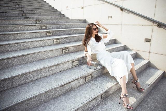 Vừa qua, siêu mẫu Thanh Hằng thực hiện bộ ảnh mới.