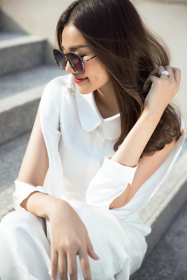 Là một trong những nghệ sĩ sở hữu vóc dáng chuẩn cùng phong cách thời trang ấn tượng, siêu mẫu Thanh Hằng luôn là cái tên cuốn hút mỗi lần xuất hiện.