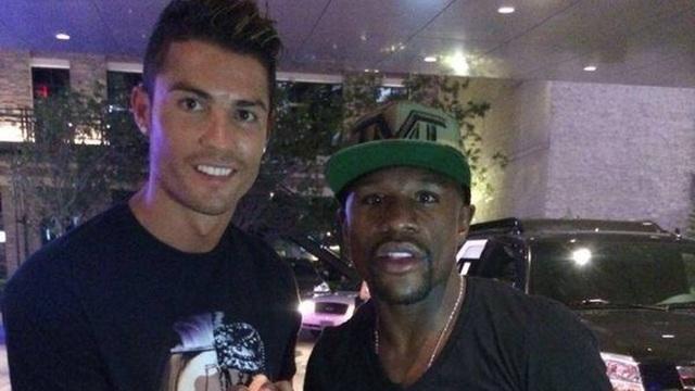 Mayweather muốn mua C.Ronaldo nếu sở hữu CLB Newcastle