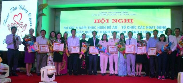 20 gia đình tiêu biểu gia đình hạnh phúc tỉnh Bình Định.