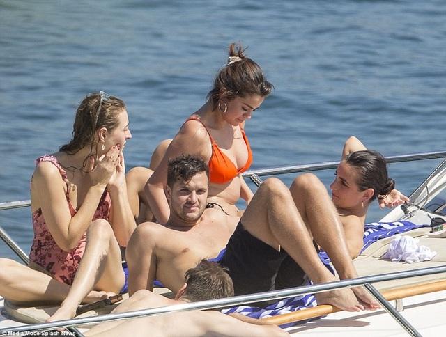 Mới đây có thông tin cho hay Selena và bạn trai Justin Bieber lại chia tay nhau sau ít tháng hàn gắn
