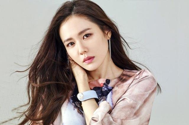 Nữ diễn viên Son Ye-jin
