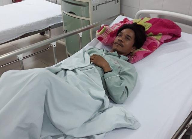 Bệnh nhân Bnướch Gheo có nguy cơ bị mù mắt do nghi ngộ độc rượu