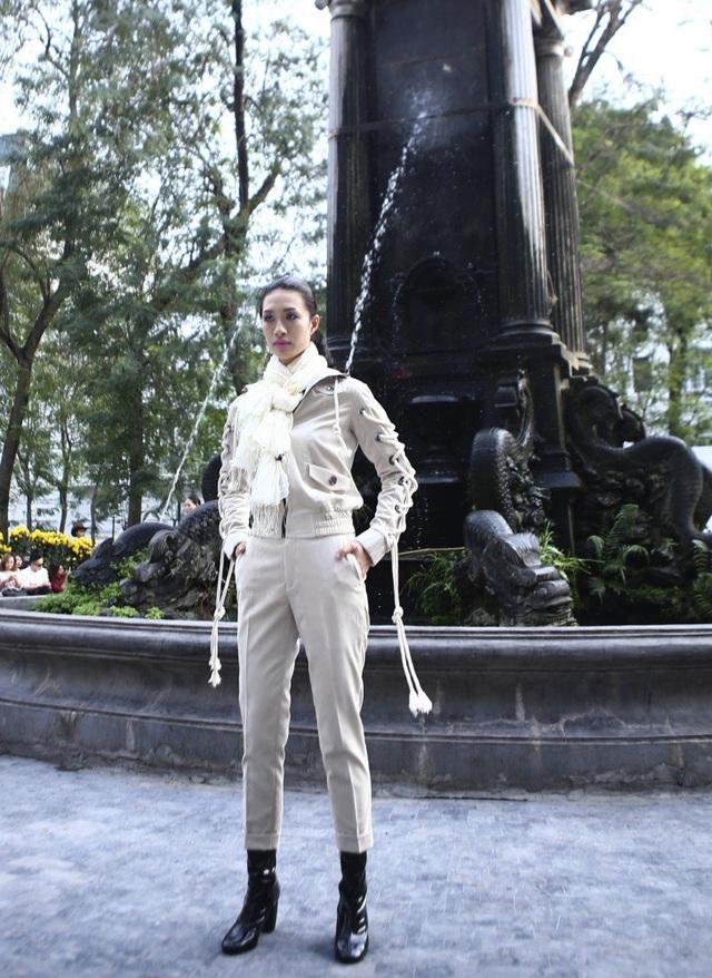 NTK Minh Hạnh đưa ngựa trắng lên sàn diễn Tuần lễ thời trang Việt Nam - Italia - 21