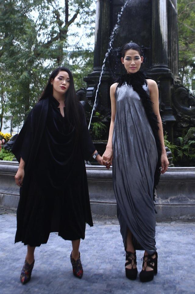 NTK Huyền Nhung Nguyễn mang đến bản hoà tấu mới lạ cho thời trang.