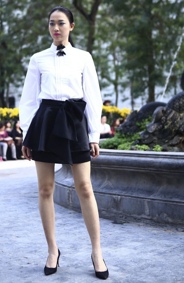 NTK Minh Hạnh đưa ngựa trắng lên sàn diễn Tuần lễ thời trang Việt Nam - Italia - 13