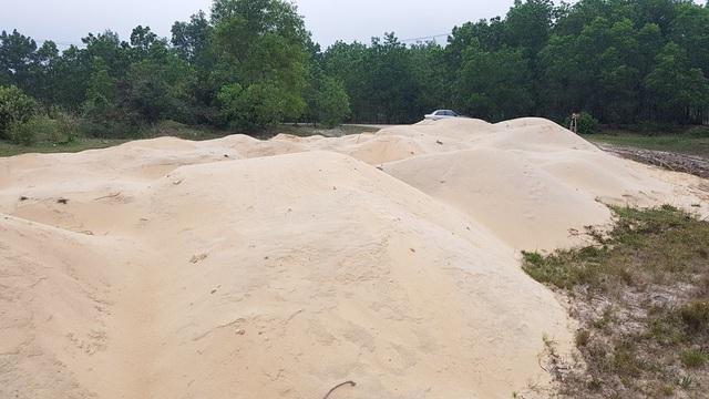 """Nhiều bãi cát lậu """"tập kết"""" dày đặc trong Khu kinh tế Chân Mây - Lăng Cô! - 5"""