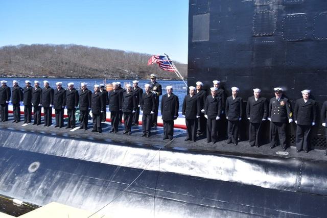 Ông Reed Koepp, chỉ huy 130 thủy thủ trên tàu USS Colorado, cho biết được làm việc và thực hiện nhiệm vụ trên tàu ngầm hiện đại bậc nhất của Mỹ là niềm vinh dự lớn lao của những người có mặt trên tàu.