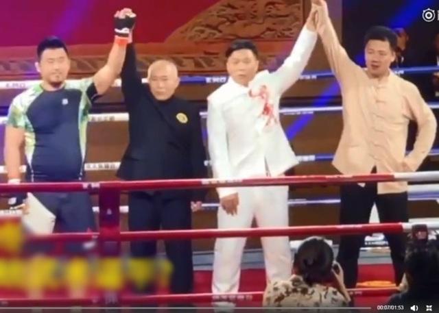 Từ Hiểu Đông đánh bại Đinh Hạo chỉ sau hơn 1 phút thi đấu