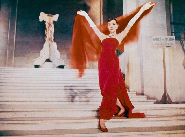 Audrey Hepburn và những bộ váy tuyệt đẹp của Givenchy - 12