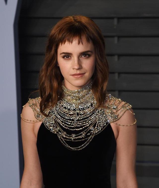 Trong số các người đẹp màn bạc, nữ diễn viên của loạt phim Harry Potter - Emma Watson - dường như kém hoàn hảo hơn các đàn chị bởi cô có môi trên hơi mỏng.