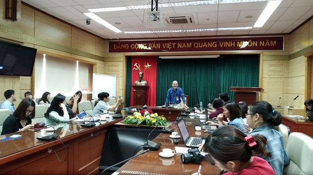 Ông Nguyễn Huy Quang trao đổi với báo chí chiều 21/3 xoay quanh vụ việc của bác sĩ Hoàng Công Lương.