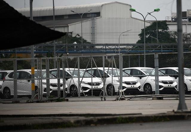 Lô xe nhập khẩu miễn thuế đầu tiên được thông quan, cuộc chiến giảm giá bắt đầu - 8