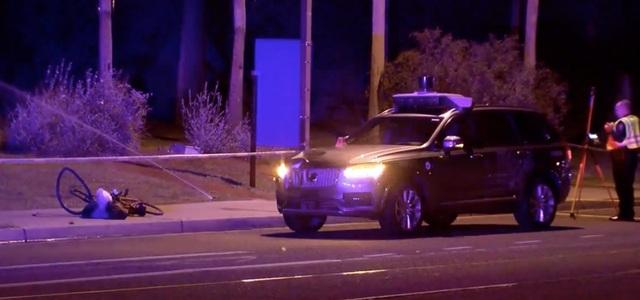 Hiện trường vụ xe Uber tự lái đâm chết người đi bộ sang đường