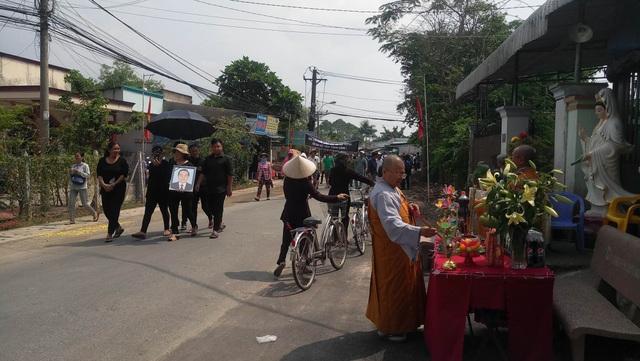 Nguyên Thủ tướng Phan Văn Khải được an táng bên mộ người vợ quá cố - 23