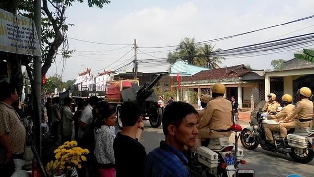 Nguyên Thủ tướng Phan Văn Khải được an táng bên mộ người vợ quá cố - 22
