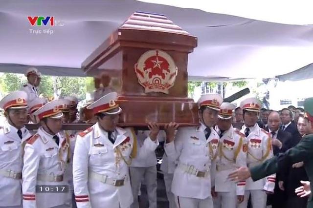 Nguyên Thủ tướng Phan Văn Khải được an táng bên mộ người vợ quá cố - 12
