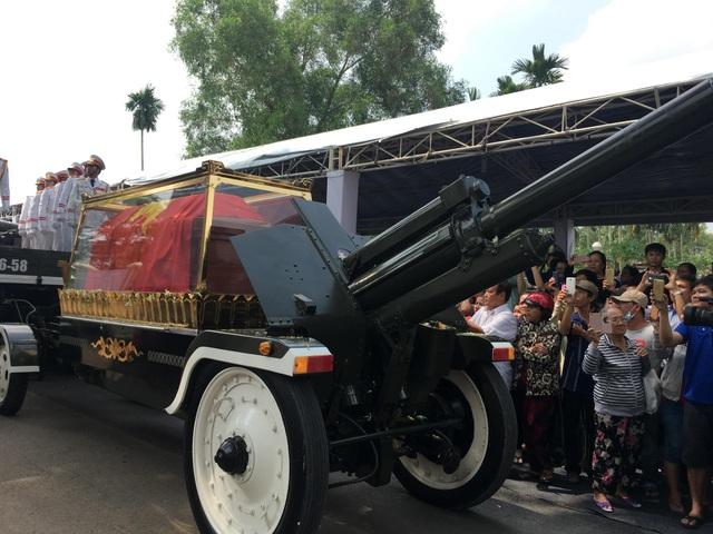 Nguyên Thủ tướng Phan Văn Khải được an táng bên mộ người vợ quá cố - 15