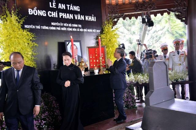 Nguyên Thủ tướng Phan Văn Khải được an táng bên mộ người vợ quá cố - 3