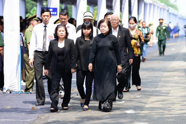 Nguyên Thủ tướng Phan Văn Khải được an táng bên mộ người vợ quá cố - 20