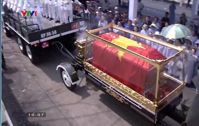 Nguyên Thủ tướng Phan Văn Khải được an táng bên mộ người vợ quá cố - 18