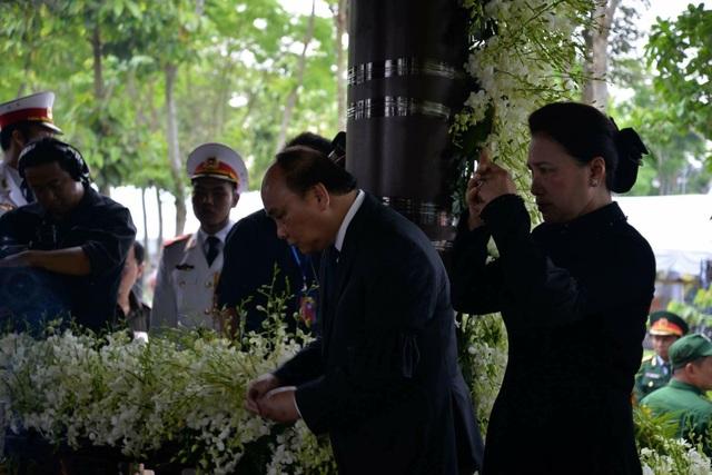 Nguyên Thủ tướng Phan Văn Khải được an táng bên mộ người vợ quá cố - 4