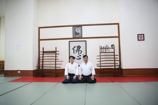 Võ sư Hiroyuki Namba và võ sư Bùi Hoàng Lân- Chủ tịch Hội aikido Hà Nội.