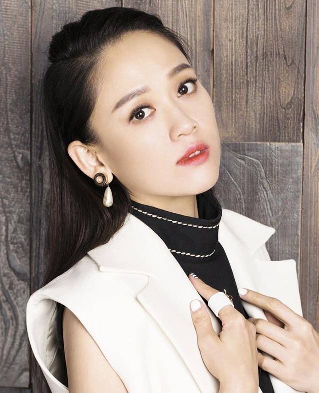 Vì quá xinh đẹp, 4 nữ sinh Việt nổi tiếng trên báo mạng quốc tế - 10
