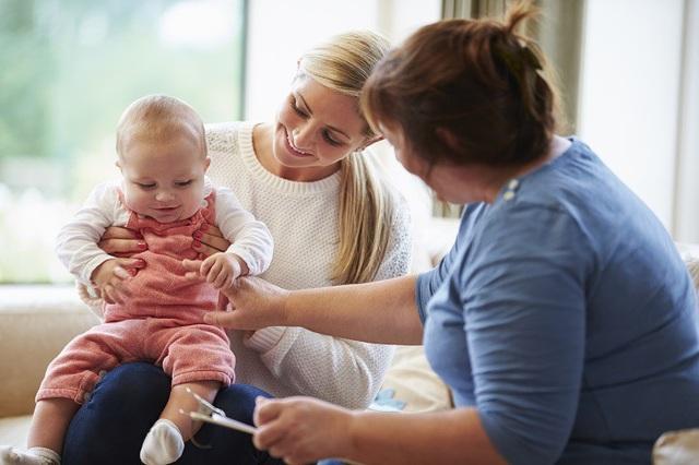 8 dấu hiệu phổ biến của trẻ tự kỉ mọi bố mẹ cần biết - 1