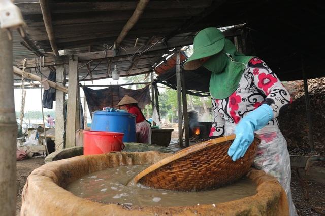 Làng hến truyền thống Tân Phú gần 200 năm tuổi tất bật đỏ lửa phục vụ thị trường