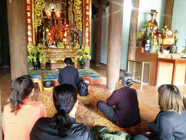 Duy khách thập phương đến chùa cầu duyên, cầu an, cầu tài, cầu lộc...