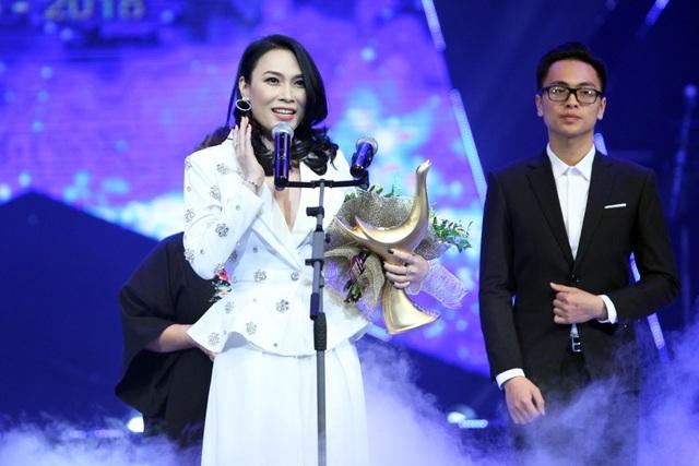 Giải thưởng được chờ đợi nhất, Ca sĩ của năm thuộc về Mỹ Tâm.